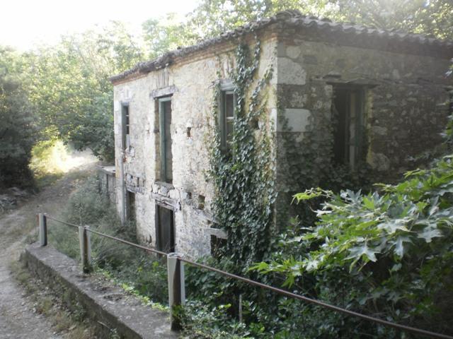 Σπίτι δίπλα στου Γανέα το μύλο