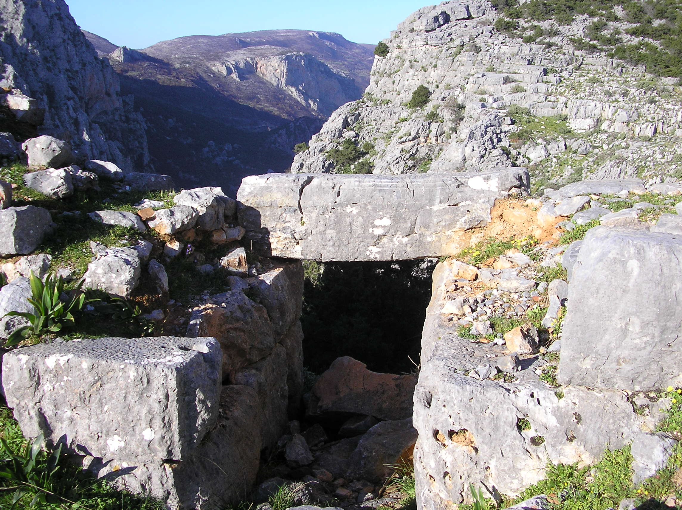 Νοτιοδυτική πύλη κάστρου Κούπας